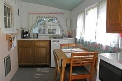 cabin_2_kitchen