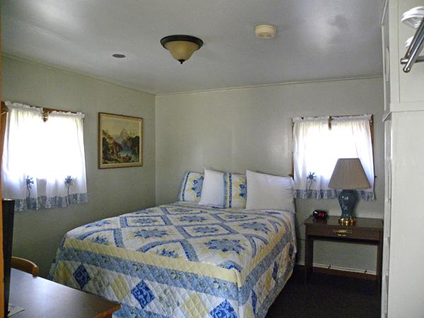 cabin_1_bedroom