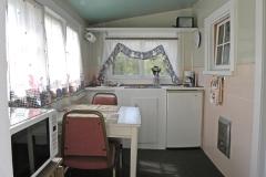 cabin_1_kitchen