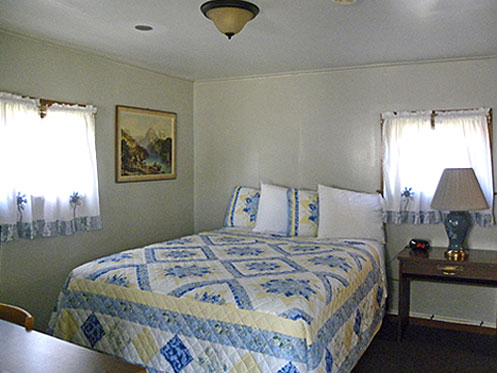 Vic's Cabins -